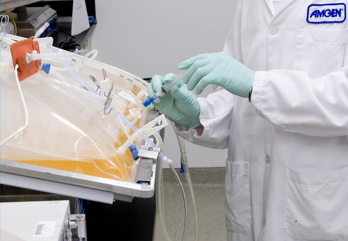 Amgen scientist working with disposable bioreactor